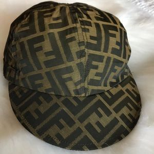 FENDI hat authentic 100% made in Italy